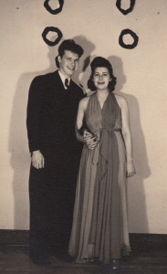 1939 one of the famous dresses_2